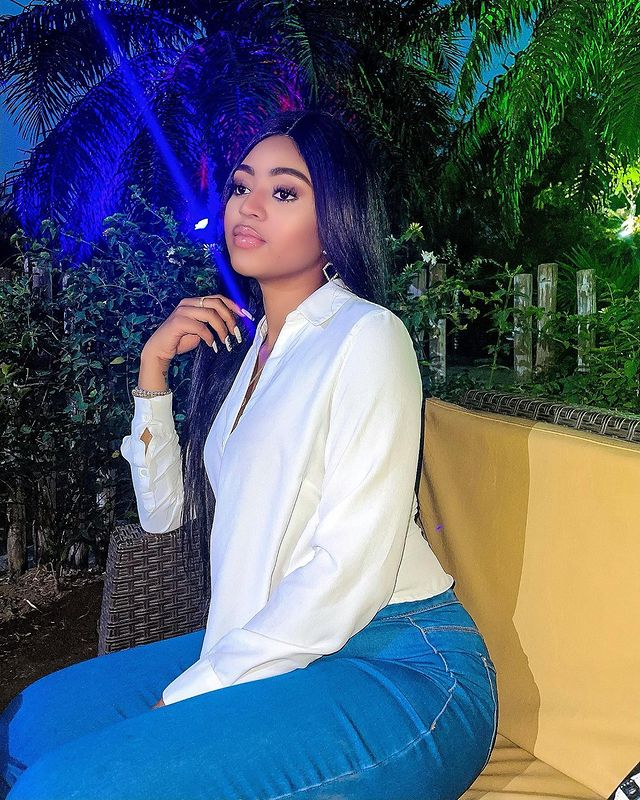 Nigerians on social media have reacted to the video of Nollywood actress and billionaire wife, Regina Daniels showing off kayanmata worth of N5 million she bought from Jaruma.