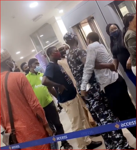 Chaos As Man Creates A Scene At Access Bank After Being Scammed By Money Double