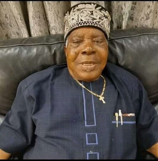 His Excellency, Obong Nsima Ekere Set To Bury Father